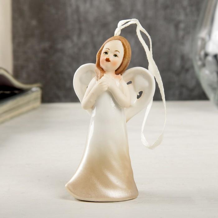 Сувенир керамика подвеска Ангел девочка в кремовом платье 9,3х3,7х4,9 см