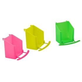 Кормушка для птиц прямоугольная, вертикальная, под лакомства, 6 х 6,5 х 8 см, микс цветов Ош