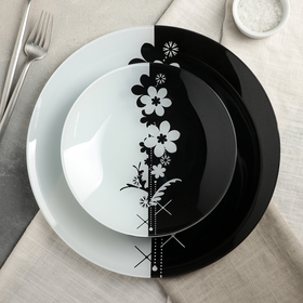 Сервиз столовый на 6 персон «Ромашки», 7 предметов: 6 тарелок d=20 см, 1 тарелка d=30 см