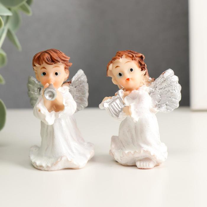 Сувенир полистоун Маленький ангел с серебряными крыльями - музыкант МИКС 6х4х3,5 см