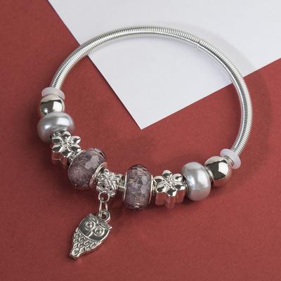 """Браслет с жемчугом """"Марджери"""" сова, цвет серый в серебре, d=6,5 см"""
