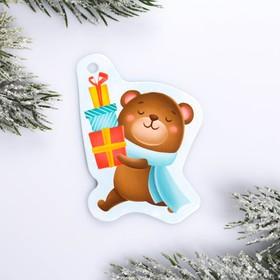 Шильдик на подарок Новый год «Медвежонок с подарками», 5,6 ×7,0  см Ош
