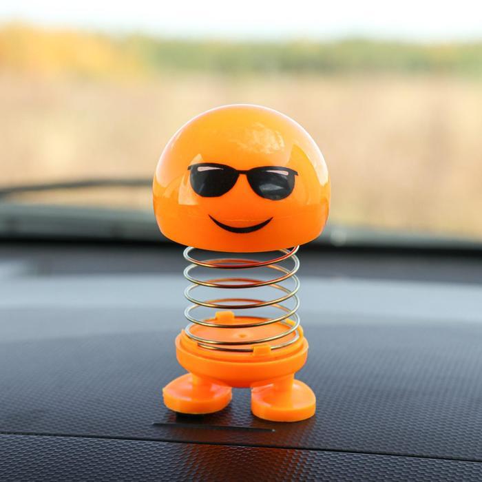 Смайл на пружинке, на панель в авто, желтый, микс