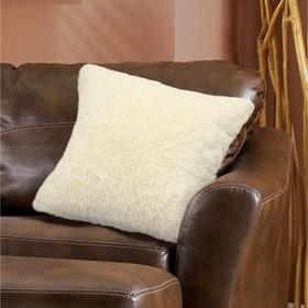 Наволочка, размер 48 × 48 см, искусственный мех, цвет кремовый