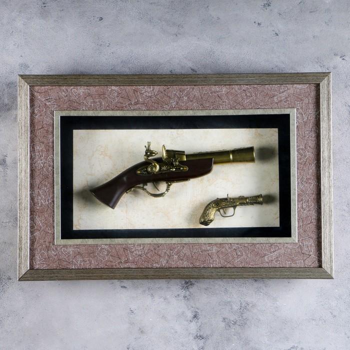 Изделие сувенирное в раме: 2 мушкета, 55х36 см