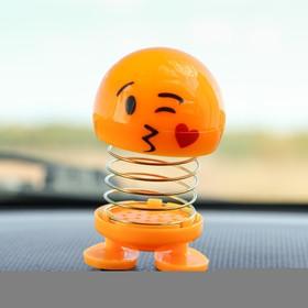 Смайл на пружинке, на панель в авто, сердечко, желтый Ош