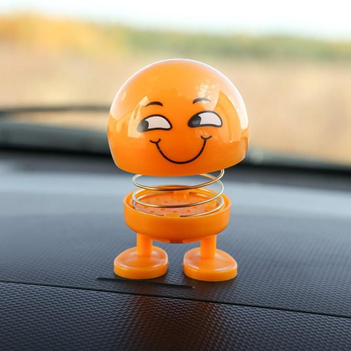 Смайл на пружинке, на панель в авто, улыбка, желтый