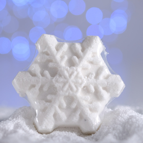 Бурлящая соль для ванны Снежинка с маслом мандарина белая, 100 г