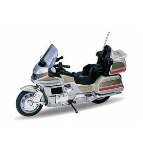 Модель мотоцикла 1:18 Honda Gold Wing Ош