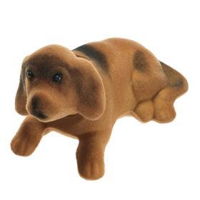 Собака на панель авто, качающая головой, малая, бежево-коричневый окрас Ош