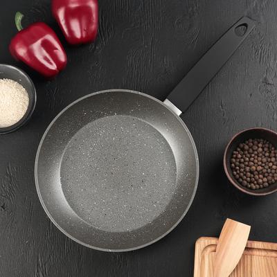 Сковорода кованая Доляна STONETECH grey, d=24 см, с антипригарным покрытием, ручка soft-touch, индукционное дно