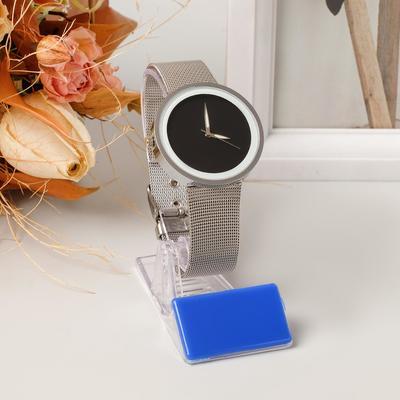 Подставка под часы с ценникодержателем, наклонная, цвет прозрачный, 4*7,5*8 см