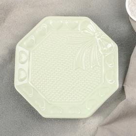"Блюдо ""Бантик"" 20,5х20х3 см, цвет зеленый"