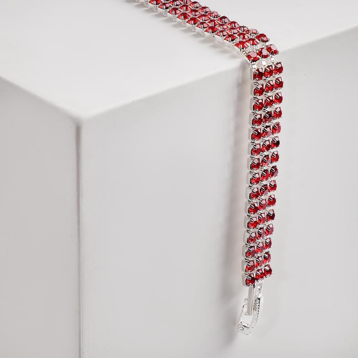 Браслет со стразами Сияй три ряда, цвет красный в серебре, 18см