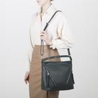 Сумка женская, отдел на молнии, 3 наружных кармана, длинный ремень, цвет зелёный - Фото 5