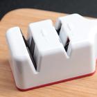 Точилка для ножей стальных и керамических, 2 заточки-шлифовки, цвет МИКС - Фото 2