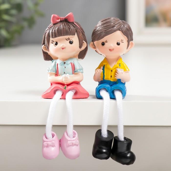 Сувенир полистоун МалышМалышка с цветочком длинные ножки МИКС 10,5х3х3,5 см