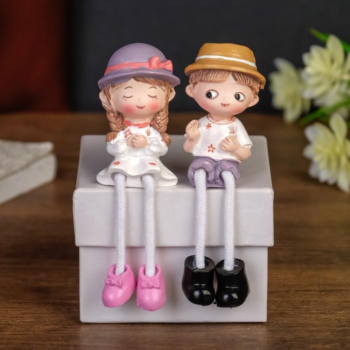 Сувенир полистоун МалышМалышка в шляпке длинные ножки МИКС 11х3х3,5 см