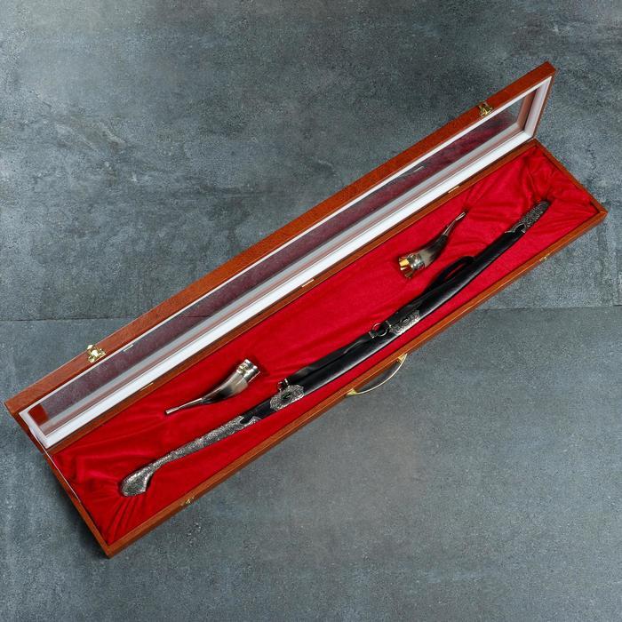 Набор подарочный Кавказ 2 шашка 2 рога, мельхиор, деревянные ножны обтянутые кожей
