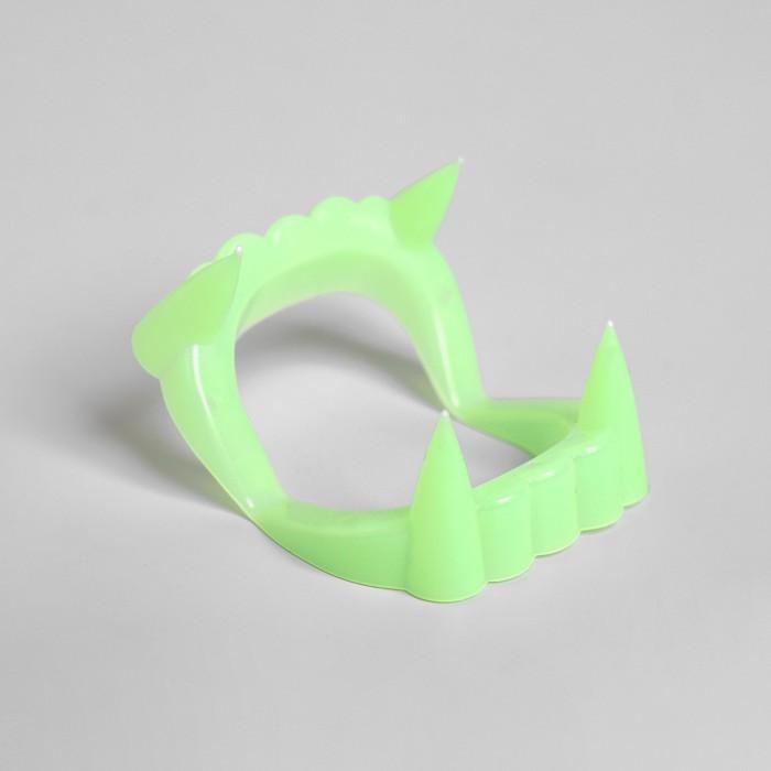 Челюсть Вампир, цвет зелёный