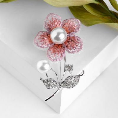 """Брошь """"Цветочное полотно"""", цвет бело-розовый в серебре"""