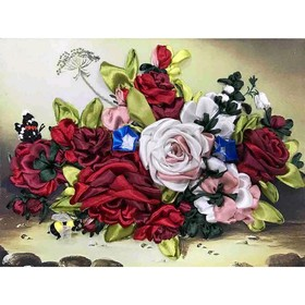 Набор для вышивки лентами «Шмель на розах»