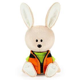 Мягкая игрушка «Заяц Антоша в зеленой футболке и безрукавке», 15 см