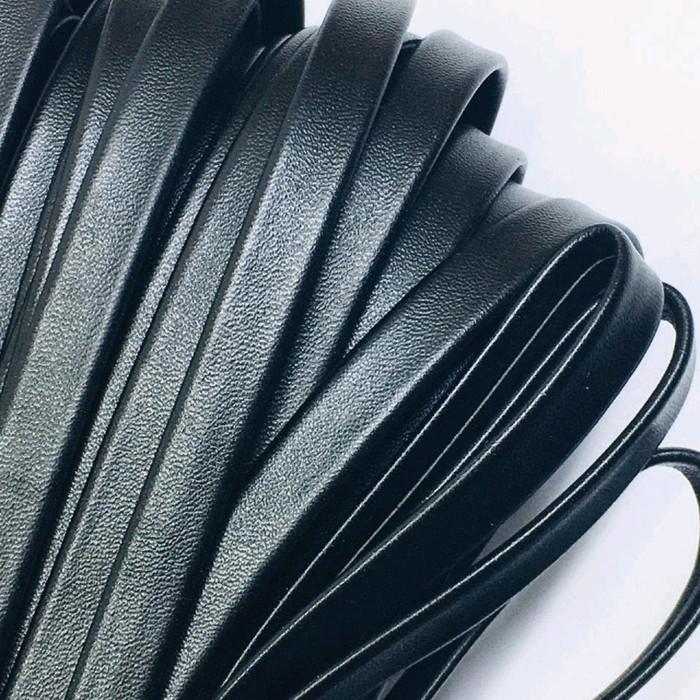 Шнур декоративный, кожзам, 10 мм, цвет чёрный
