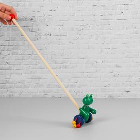 Детская развивающая игрушка «Каталка с ручкой», дерево, 54х7,5 см, МИКС