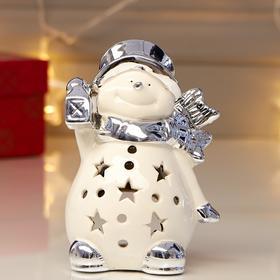 """Сувенир керамика подсвечник """"Снеговик в шляпе и шарфе с фонариком"""" серебро 12х6,5х8,5 см"""