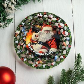 """Тарелка сувенирная деревянная """"Новогодний. Дед Мороз слушает"""", цветной"""