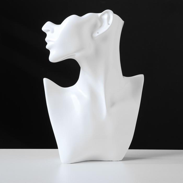 Бюст для украшений, пол-лица, отверстие под серьгу, 18*5*26, цвет белый