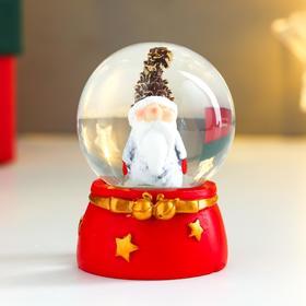 Сувенир полистоун водяной шар 'Дед мороз в шапке-шишке' d=4,5 см 6х4,5х4,5 см Ош