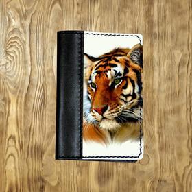 """Обложка на паспорт комбинированная """"Рыжий тигр"""", черная"""