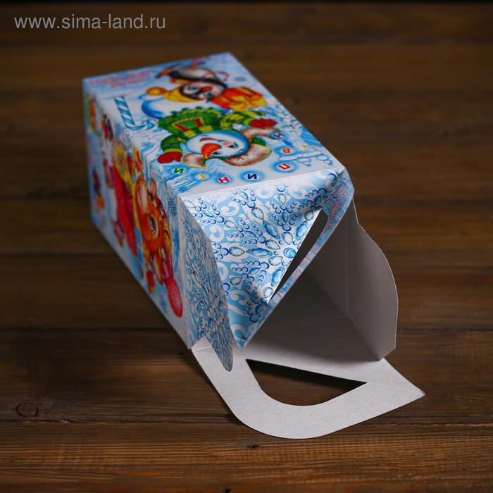 "Подарочная коробка ""Снегопарк"", четырехгранка, 10 х 10 х 18 см"