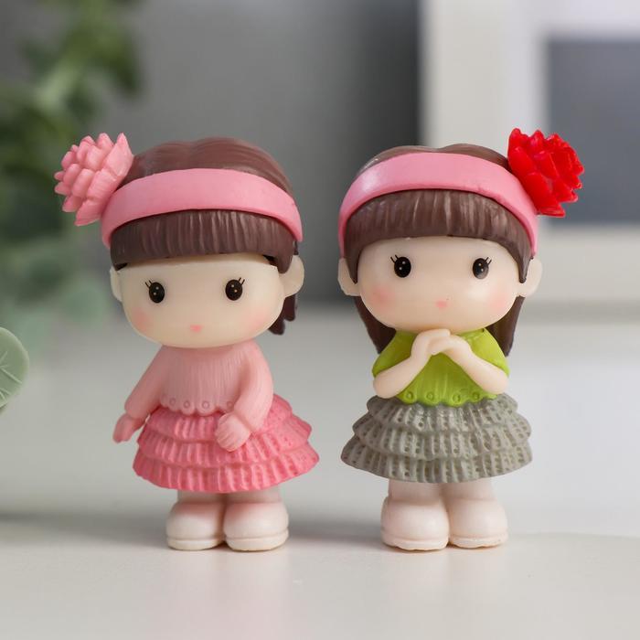 Сувенир пластик Малышка с повязкой на волосах с цветком МИКС 5х2,7х1,8 см