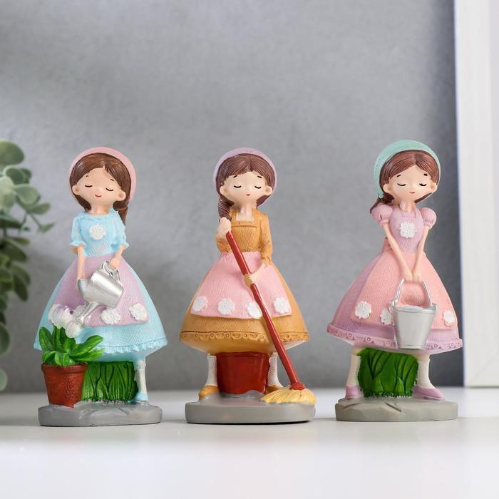 Сувенир полистоун Девочка-садовница МИКС 12,3х6х5 см