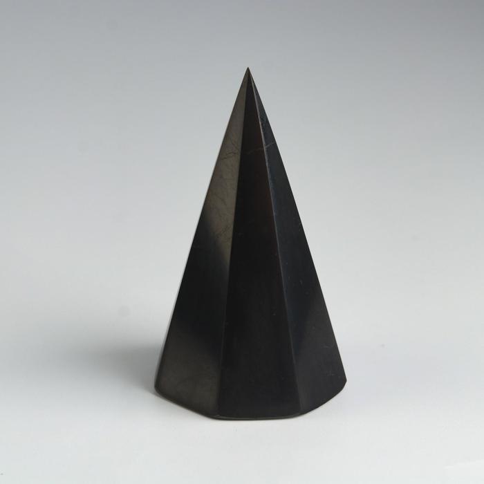 Пирамида из шунгита, восьмигранная, высокая, полированная, 7 см