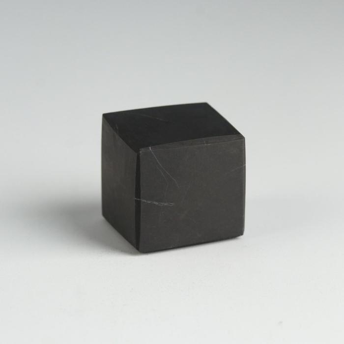 Куб из шунгита, неполированный, 2 см