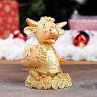 """Статуэтка """"Бык в майке"""", символ года 2021,золотистый, 9 см, полистоун - Фото 1"""