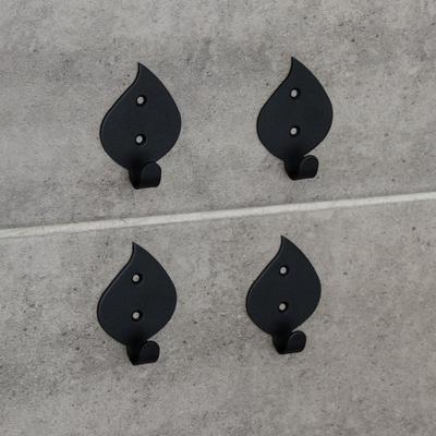 Набор крючков «Листья», 4 шт, металл, цвет чёрный - Фото 1