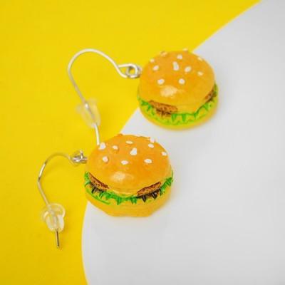 "Серьги пластик ""Вкусности"" бургер, цвет жёлто-зелёный"