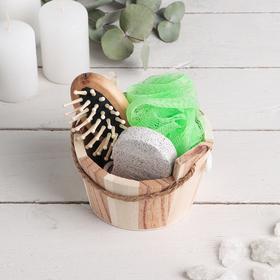 Набор банный в деревянном ушате 3 предмета: мочалка-бант, пемза, расческа Ош