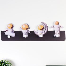 Крючки декоративные дерево 'Космонавты' 15х50х4,5 см Ош