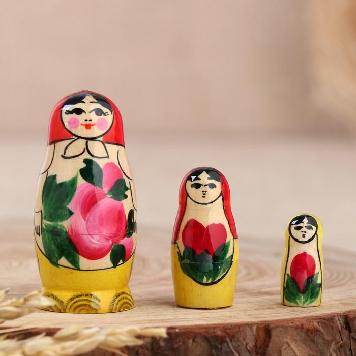 Матрёшка Семёновская, красный платок, 3 кукольная, 7 см