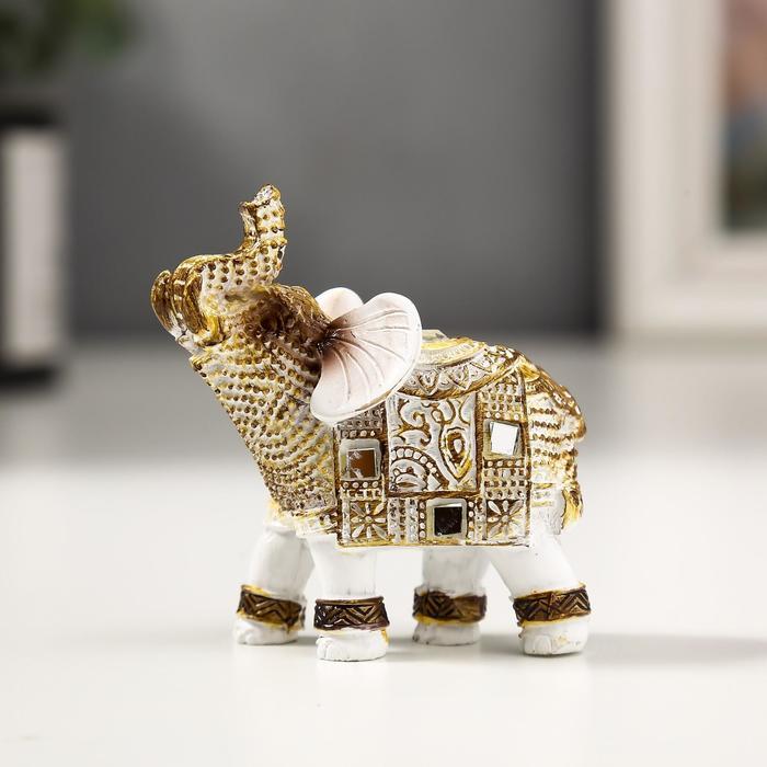 Сувенир полистоун Белый слоник с попоной из арабского ковра 6,5х5,7х2,8 см