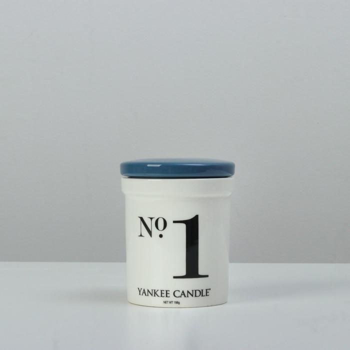 Ароматическая свеча в керамике Кокос и морской воздух Coconut and Sea,198 гр, 35-45 ч