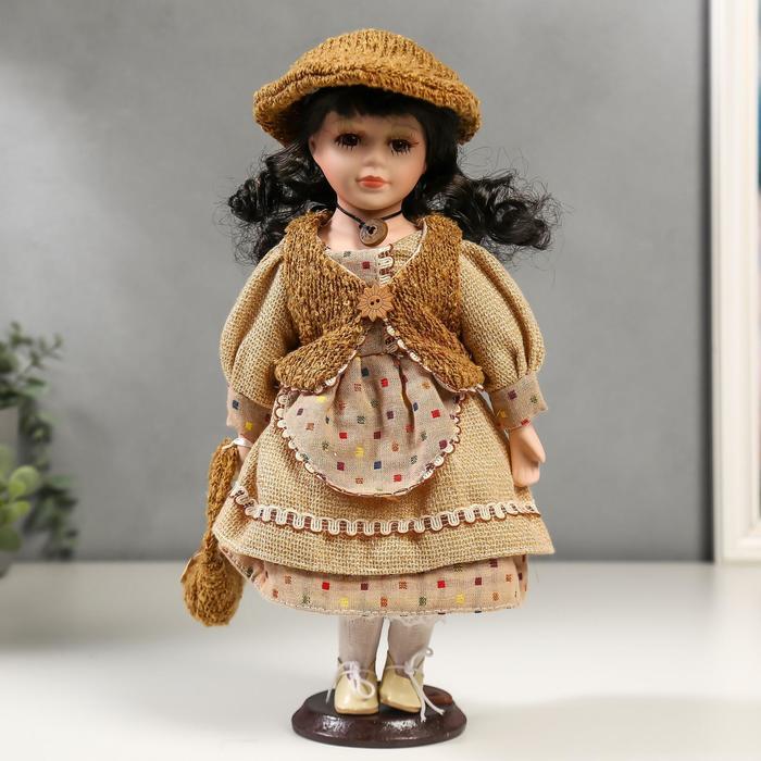 Кукла коллекционная керамика Лена в бежевом платье и бежевом жилете 30 см