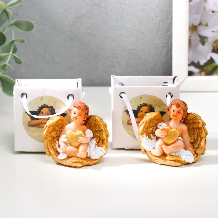 Сувенир полистоун Ангел с золотыми крыльями и сердцем МИКС 4,6х5х3 см