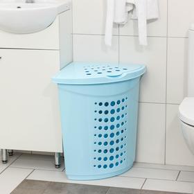 Корзина для белья угловая 45л., цвет голубой